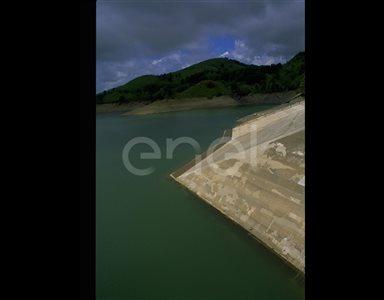 Lago e sbarramento