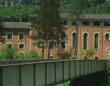 Centrale e ponte in ferro