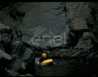 Rocce e torrente