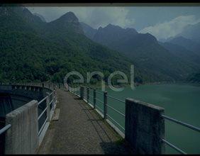 Camminamento della diga di Val Gallina