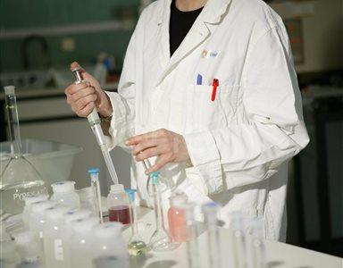 Analisi chimiche in laboratorio: studio del materiale proveniente dai carotaggi nel bacino di larderello
