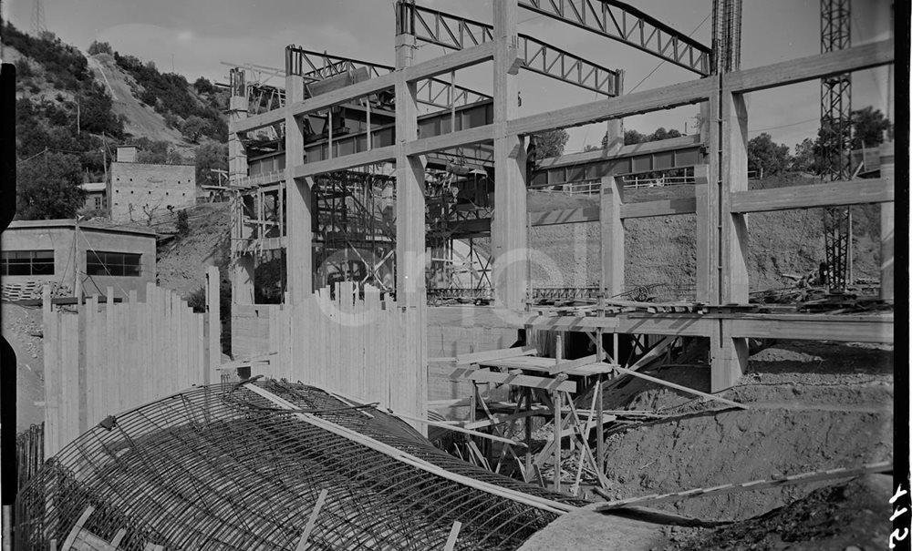 Edificio della centrale in costruzione
