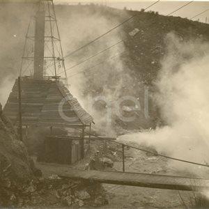 Fabbrica di Larderello. Vari soffioni perforati nel periodo 1897/1930.